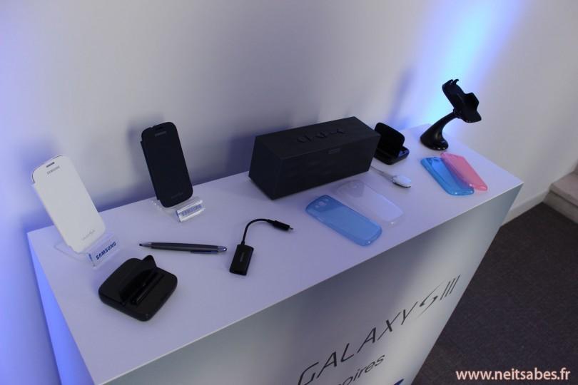 Il y a quelque jours, j'ai pu assister grâce à GohanBlog à la présentation du nouveau téléphone de Samsung : le Galaxy S3. Le S2 bénéficiait d'une très bonne image, considéré comme l'un des meilleurs androphones du marché, il fallait donc que son successeur soit à la hauteur.