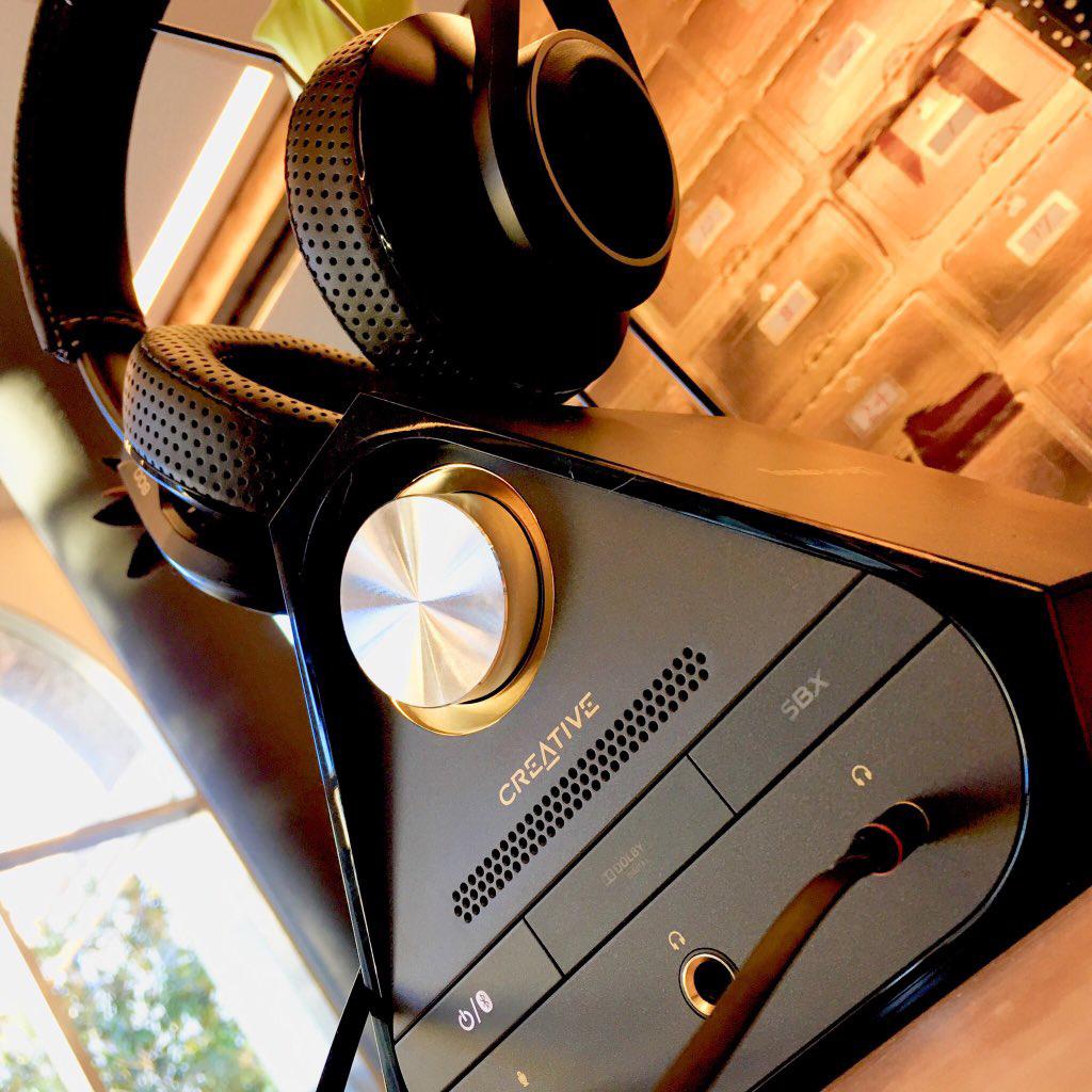 test carte son externe ampli creative soundblaster x7. Black Bedroom Furniture Sets. Home Design Ideas
